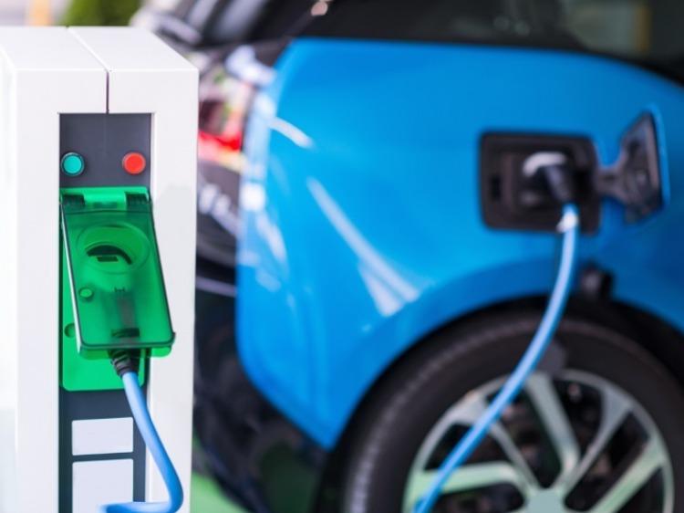 Il futuro dell'auto: crediti verdi e vetture elettriche